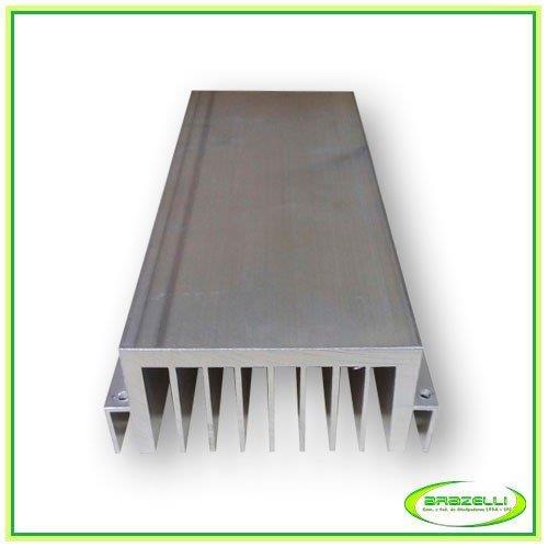 Usinagem de peças de alumínio